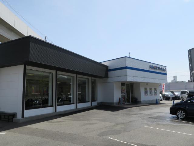 ネクステージ茨木 ミニバン専門店店舗画像5