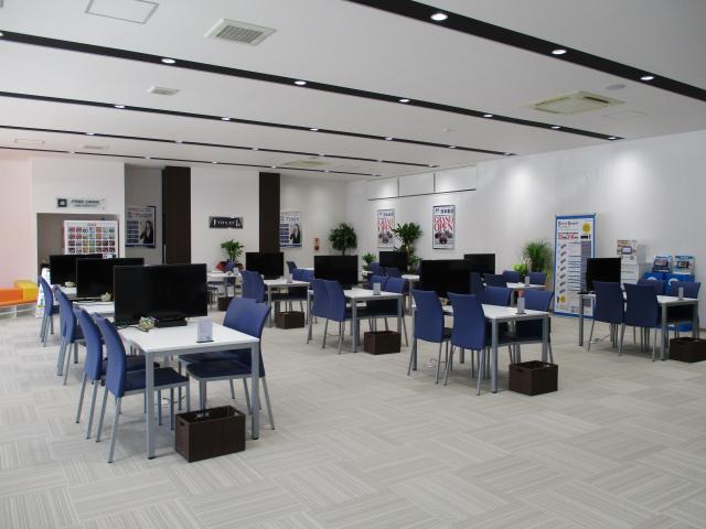 ネクステージ熊本東 セダン・スポーツ専門店店舗画像3
