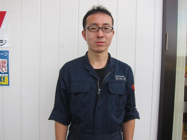 ネクステージのスタッフ写真 サービスフロント 井上 勇也