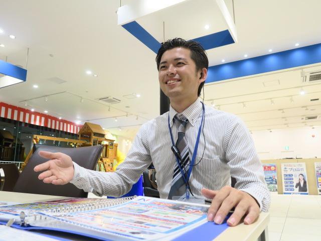 ネクステージのスタッフ写真 カーライフアドバイザー 志賀 友輔