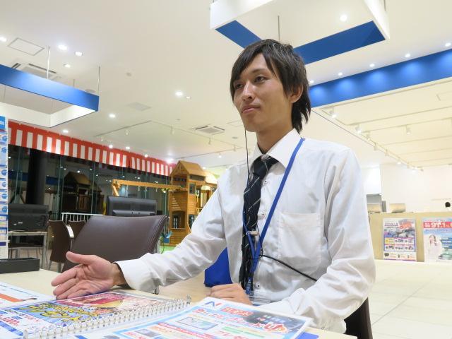 ネクステージのスタッフ写真 カーライフアドバイザー 田村 賢汰